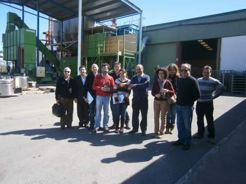 El alcalde de El Ejido presenta un proyecto de ensilado para fabricación de alimento para el ganado con excedentes hortofrutícolas